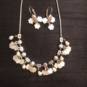 Brighton pearl and mother of pearl flower set